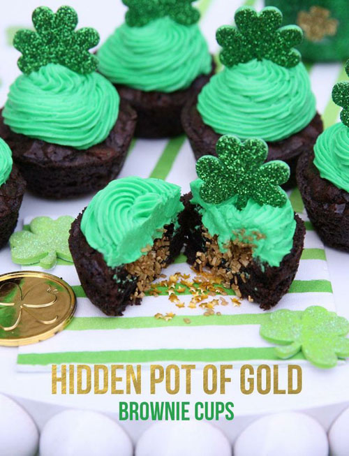 Are you ready for St. Patrick's Day? Why not have fun with color when making your desserts. Try these 5 St. Patrick's Day Desserts to feed your sweet tooth.